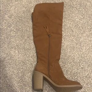 DV by Dolce Vita Shoes - Over the knee brown heeled boots
